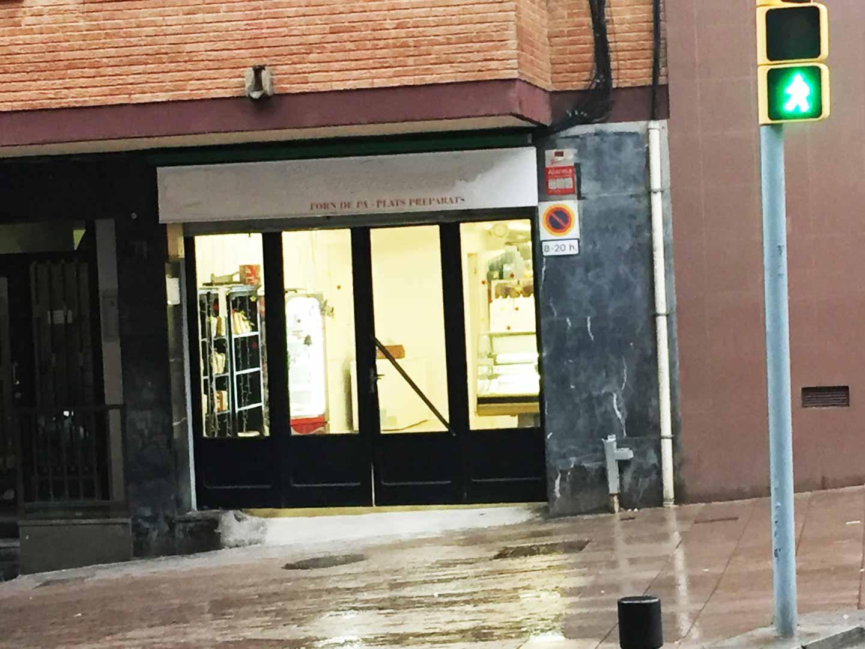 Local en venta en rentabilidad muy cerca del Paseo Valldaura en Barcelona