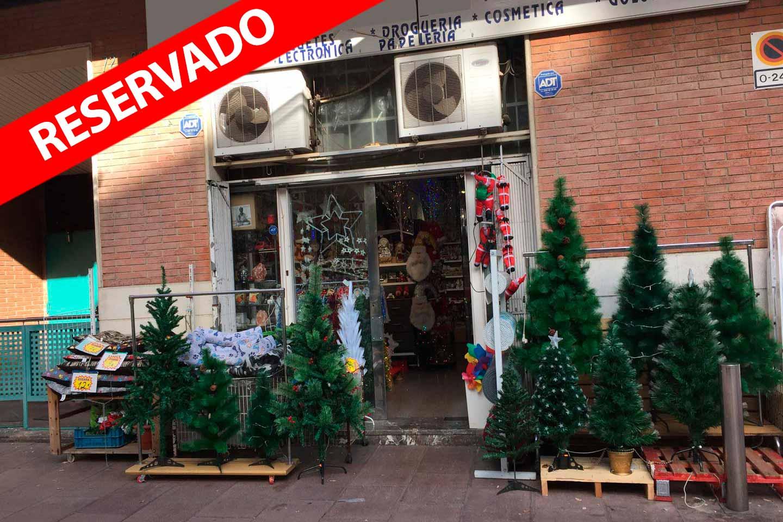 Local en venta en rentabilidad en la calle Cartellà de Barcelona