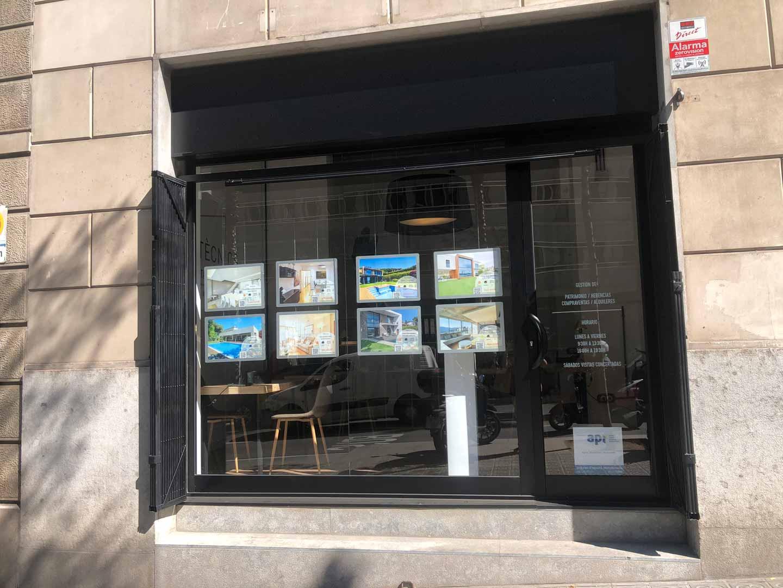 Commercial property for sale in profitability in Ronda General Mitre near Muntaner Street in Barcelona.
